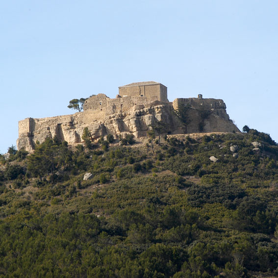 Los Amigos del Camino de Santiago de Estella. Castillo de los Banu Qasi. Villamayor de Monjardín