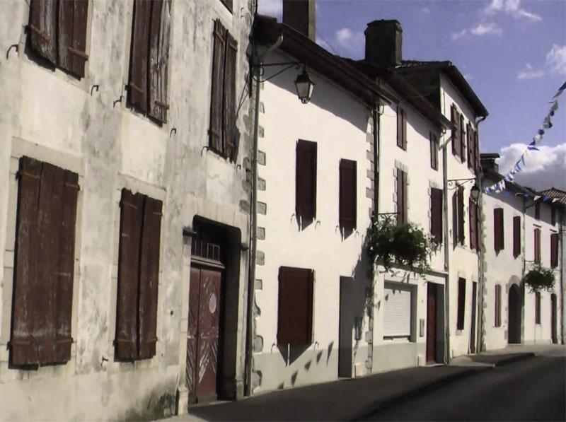 Etapa Donapaleu - Saint Palais / Donibane Garazi - Saint Jean Pied de Port . Asociación Amigos del Camino de Santiago de Estella